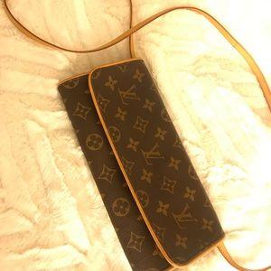 Authentic Louis Vuitton crossbody